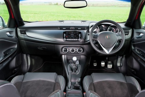 Alfa-Romeo-Giulietta-interior