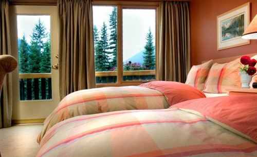 Bugaboos Lodge bedroom CMH Heli-Skiing in Britsh Columbia Canada