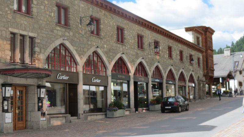 Exclusive-Shops-in-St.-Moritz