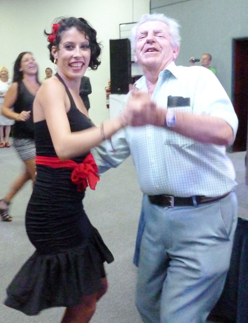 Guantanamera and Paul Thomas with dancer