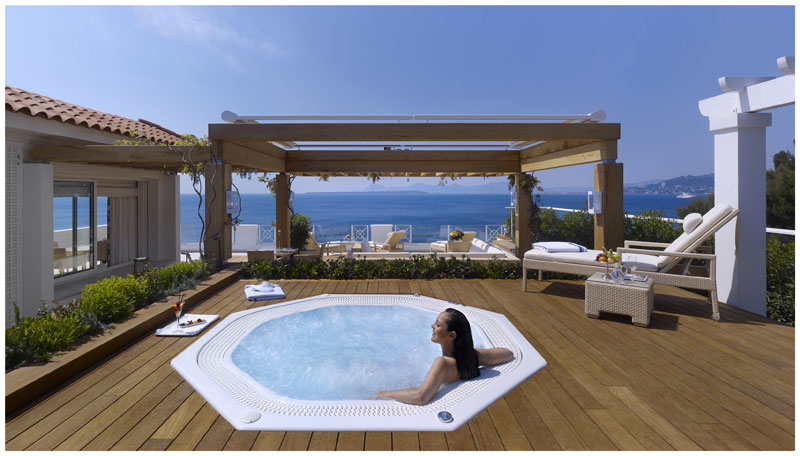Hotel-du-Cap-jacuzzi-of-private-villa