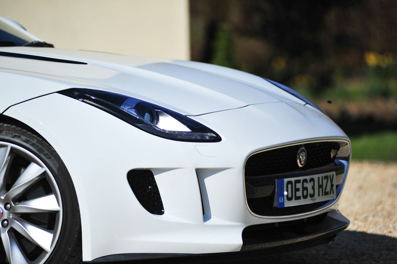 Jaguar-F-Type-bonnet