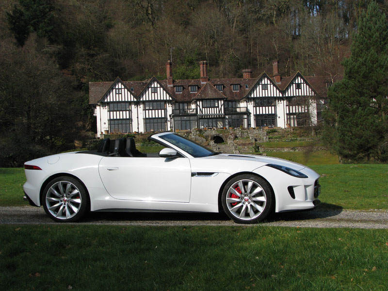 Jaguar F Type posing infront of Gidleigh Park