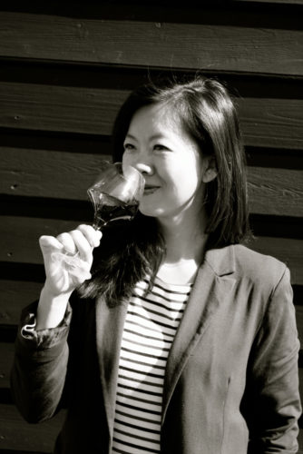 Leona de Pasquale wine correspondent for The Vintage Magazine