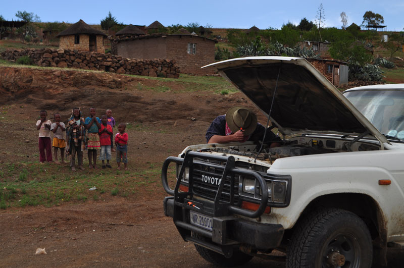 Lesotho Roadside repair with helpful advice