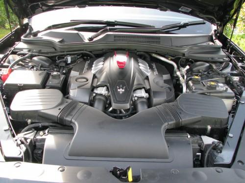 Maserati-Quattroporte-V8-engine