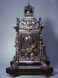 Silver-Mantel-Clock-with-Royal-Provenance