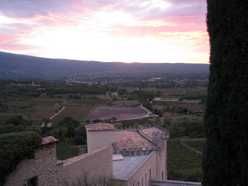 Sunrise-at-Crillon-Le-Brave-looking-towards-Mont-Ventoux