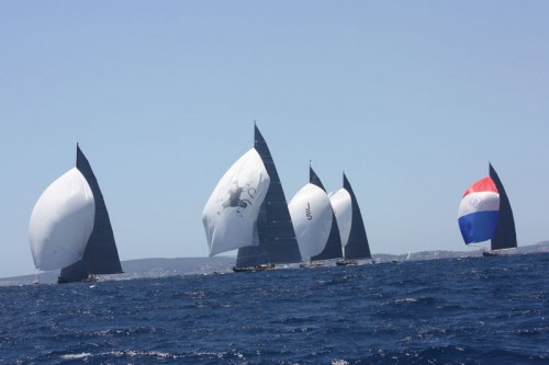 The Mighty 5 Duel downwind under huge spinnakers