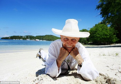 The-older-Colin-Tennant-on-his-island-of-Mustique