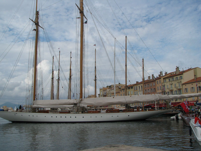 Yacht-in-St.Tropez-Harbour-for-Les-Voile-de-St.-Tropez