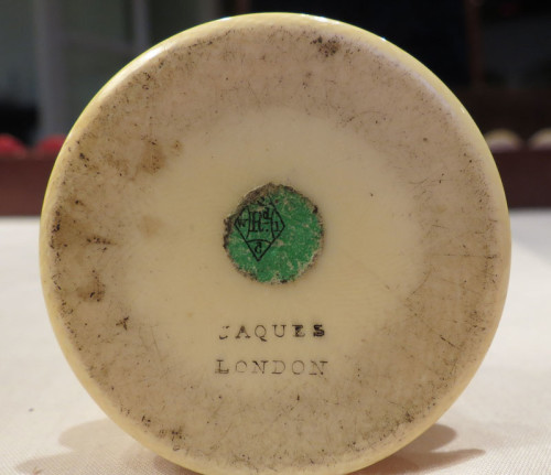 Base of white ivory Staunton King showing green registration label and imprint JAQUES LONDON