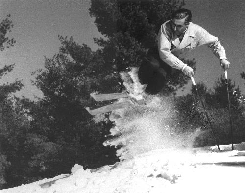 Hannes Schneider jump turn circa 1940