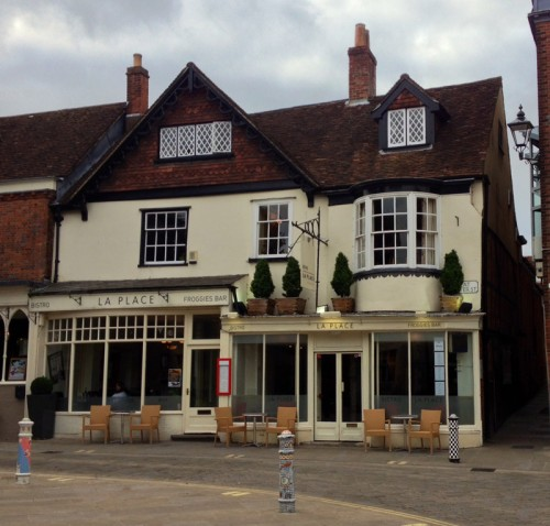 Bistro la Place & Froggies Bar Winchester